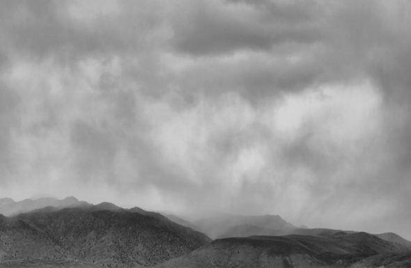 bw-stormy-mountain2