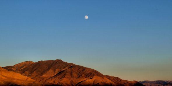 Moon rise over White Mountains